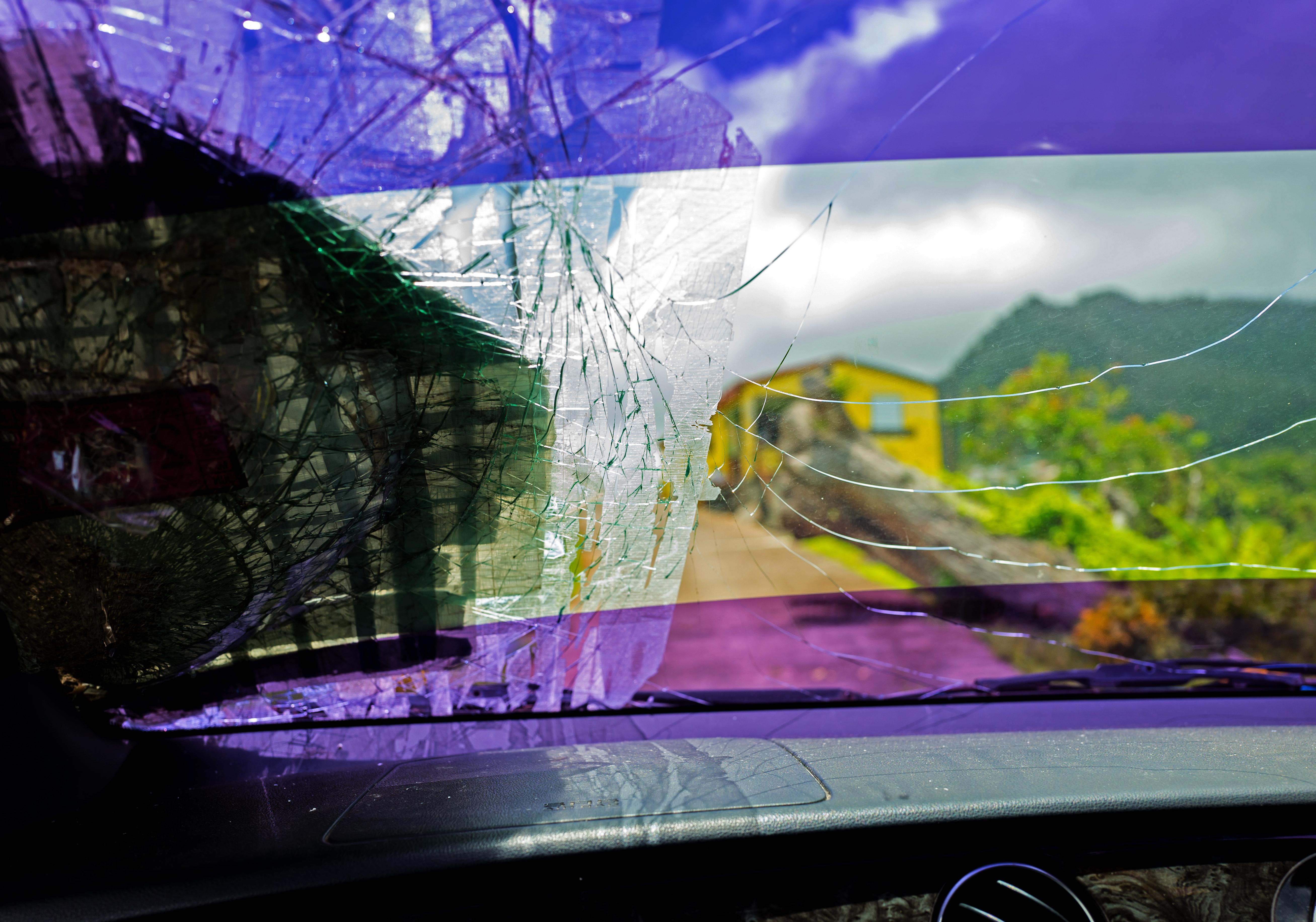 windshield-1526753561-13.jpg